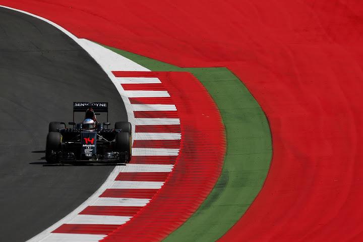 Fernando Alonso (ESP) McLaren MP4-31. G.P. de Austria, Red Bull Ring, novena prueba del mundial, viernes 1, julio, 2016.