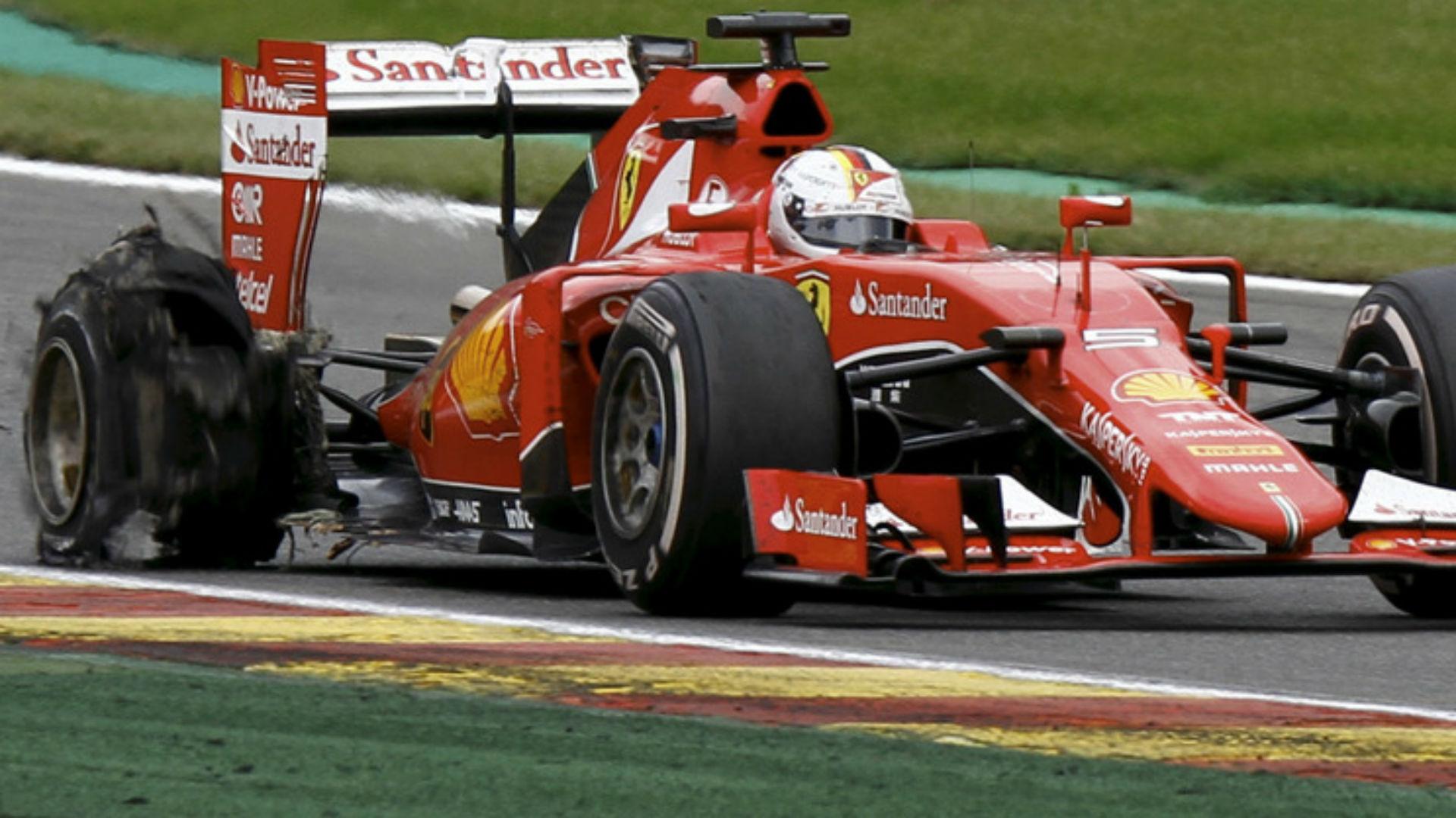 Vettel revienta neumatico en Spa