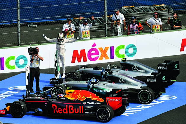 www.sutton-images.com Race winner Lewis Hamilton (GBR) Mercedes-Benz F1 W07 Hybrid celebrates in parc ferme at Formula One World Championship, Rd19, Mexican Grand Prix, Race, Circuit Hermanos Rodriguez, Mexico City, Mexico, Sunday 30 October 2016.