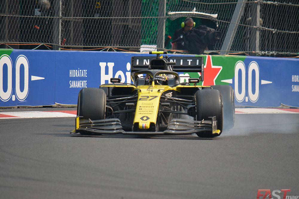 Nico Hulkenberg (Renault) bloqueando un neumático en el Foro Sol (FOTO: Carlos A. Jalife Ruz)