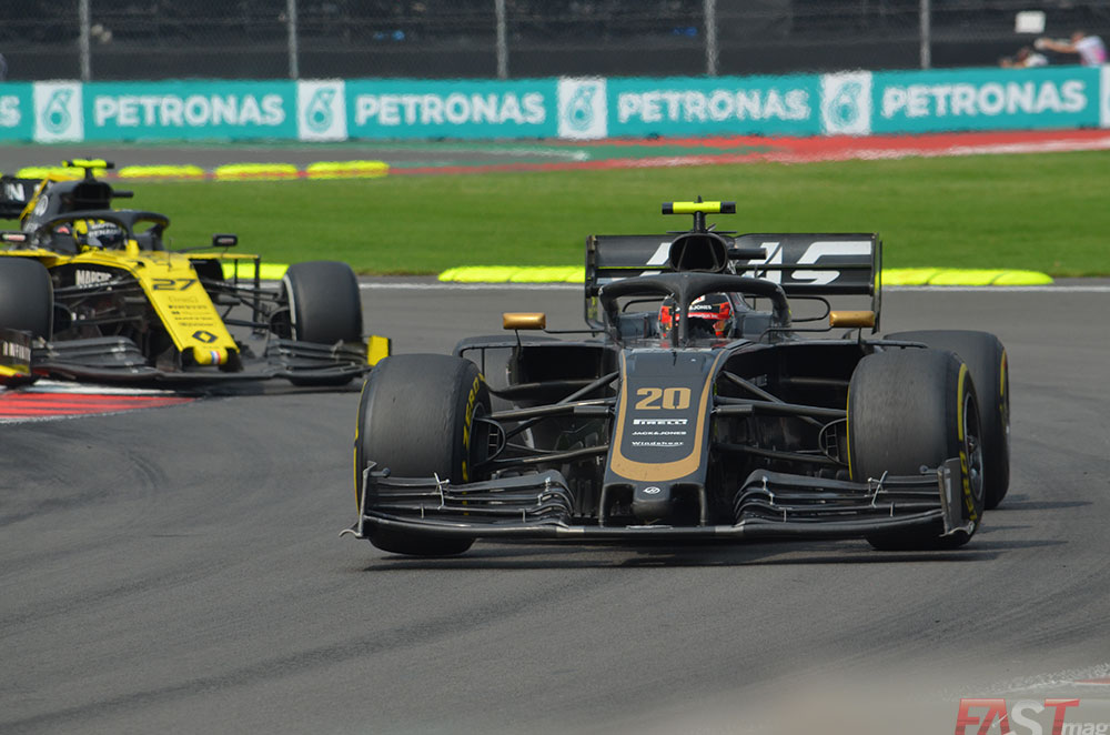 Kevin Magnussen (Haas) perseguido por Nico Hulkenberg (Renault). FOTO: Omar Jalife Ruz