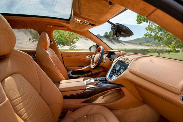 Aston Martin DBX interior dos