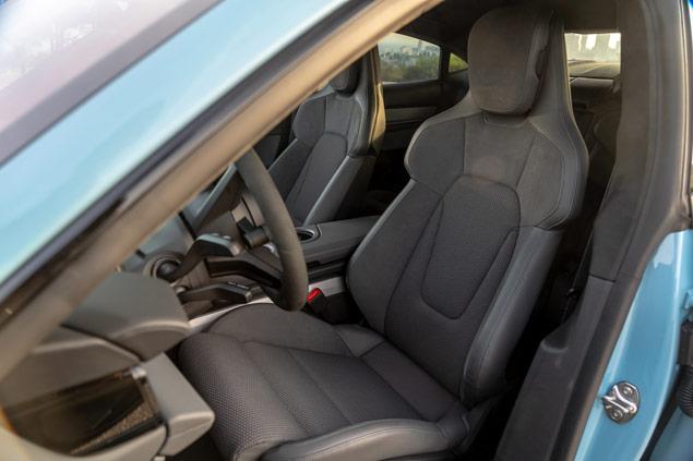 Porsche Taycan asientos