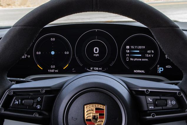 Porsche Taycan tablero