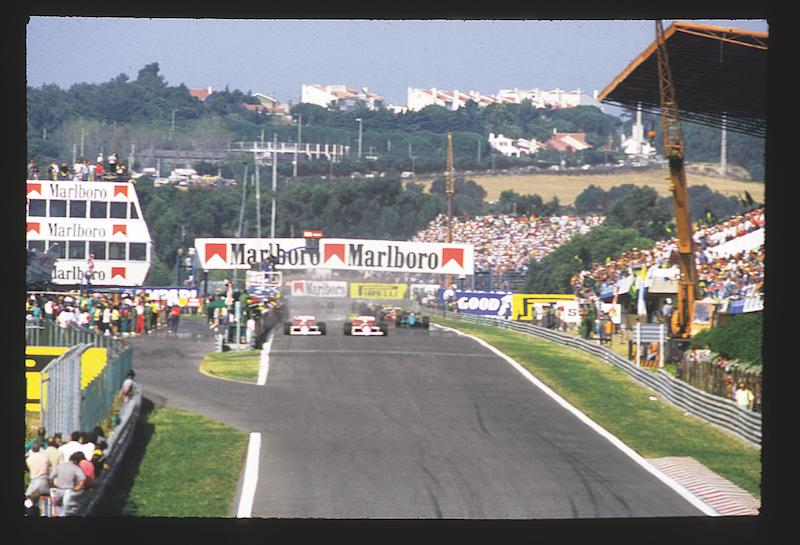 La arrancada portuguesa en 1988, con Prost y Senna en primera línea.