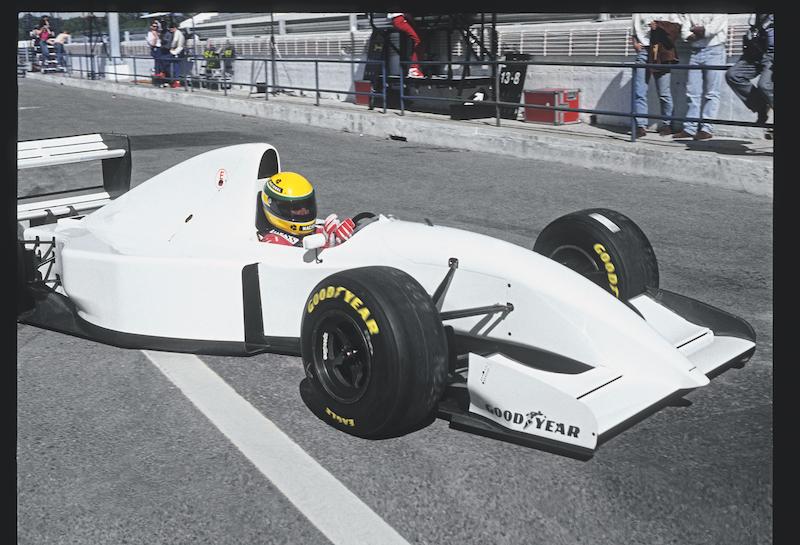 En 1993 probó un McLaren con motor Lamborghini, pero no hubo acuerdo para usar el V12.