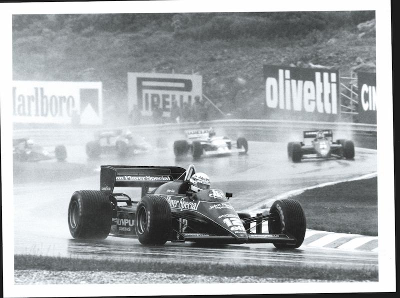 Desde la primera vuelta en Portugal 1985 despegándose del pelotón en la lluvia atroz.