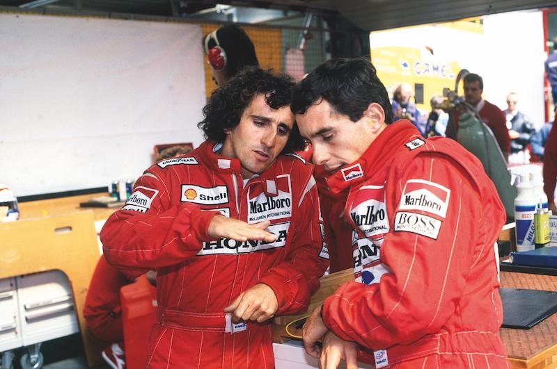 Prost y Senna discutiendo trayectorias cuando todavía se hablaban en 1989.