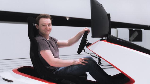 Max Benecke piloto de simulador