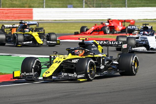 No blanqueó, pero al menos Ocon venció a Ricciardo esta vez (FOTO: Pirelli Motorsport)