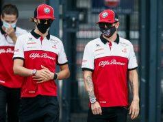 Kimi sigue penando en su Alfa, pero se acercó a Tonio (FOTO: Alfa Romeo Racing)