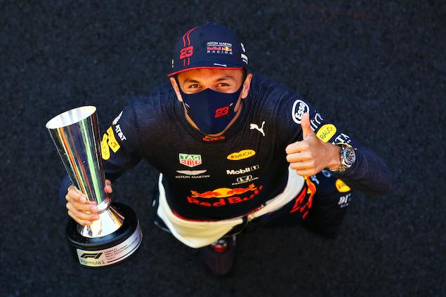 Alexander Albon, en el podio de Mugello (FOTO: Mark Thompson/Red Bull Content Pool)