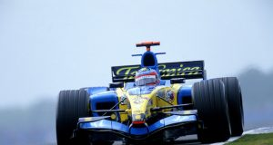 Alonso conducirá el Renault R25 en Yas Marina tres veces (FOTO: Renault F1 Team)