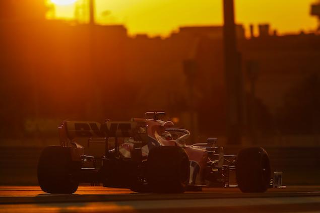 Sergio Perez (FOTO: Zak Mauger/Pirelli Motorsport)