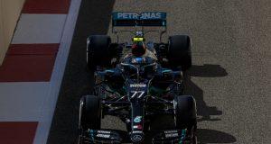 Bottas, adelante en Abu Dabi (FOTO: Mercedes AMG F1)