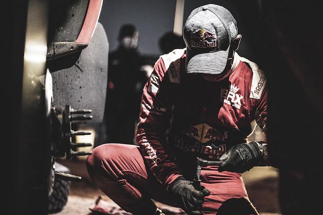 Loeb durante el viernes por la noche (FOTO: Charly Lopez/Dakar/ASO)