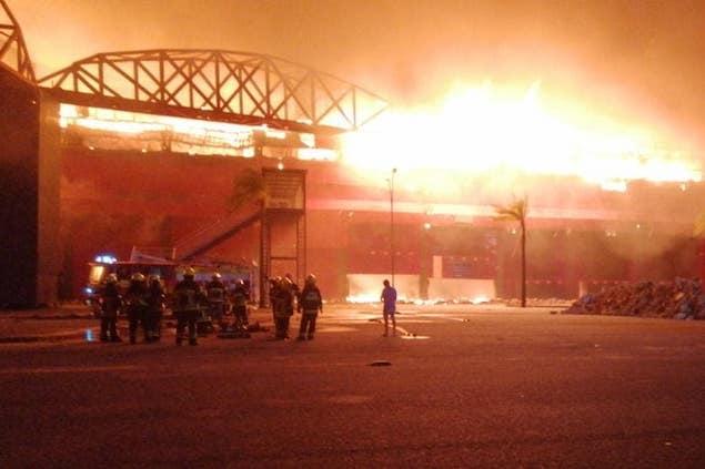 Incendio en el Autódromo de Termas de Río Hondo (FOTO: Bomberos Voluntarios Las Termas de Río Hondo)