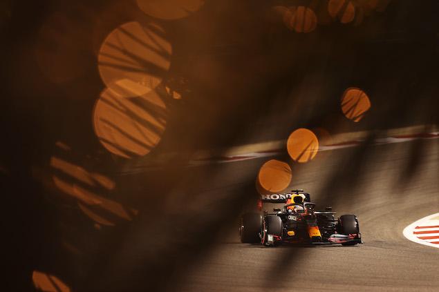 Verstappen se queda con la PP del GP de Bahrein 2021 (FOTO: Lars Baron/Red Bull Content Pool)