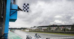 Valencia, Carrera 1: De Vries gana en final controvertido (FOTO: Formula E)