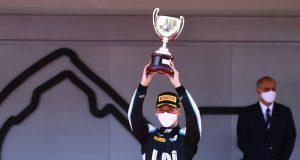 F2: Guanyu Zhou extiende liderato con triunfo en Mónaco