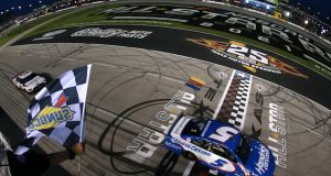 Larson gana Carrera de Estrellas de NASCAR (FOTO: Sean Gardner/NASCAR)