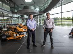 Zak Brown y Alejandro Agag, anuncindo que McLaren participará en Extreme E a partir de 2022 (FOTO. Extreme E)
