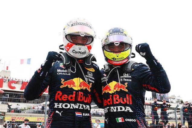 Max Verstappen y Checo Pérez en el primer podio doble del año para RBR (FOTO: Mark Thompson/Red Bull Content Pool)