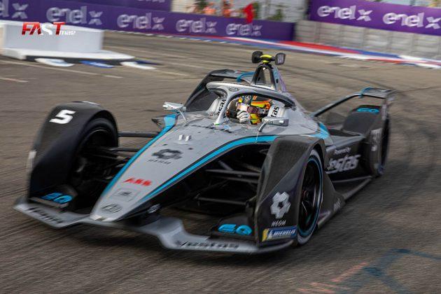 Stoffel Vandoorne (Mercedes-EQ) durante la Carrera 1 del ePrix de Nueva York de Fórmula E (FOTO: Arturo Vega para FASTMag)
