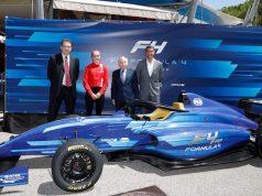 F4: Auto de segunda generación se presenta (FOTO: FIA)