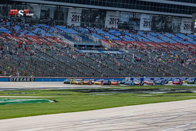 Arranque del Alsco Uniforms 250 de la serie Xfinity de NASCAR (FOTO: Arturo Vega para FASTMag)