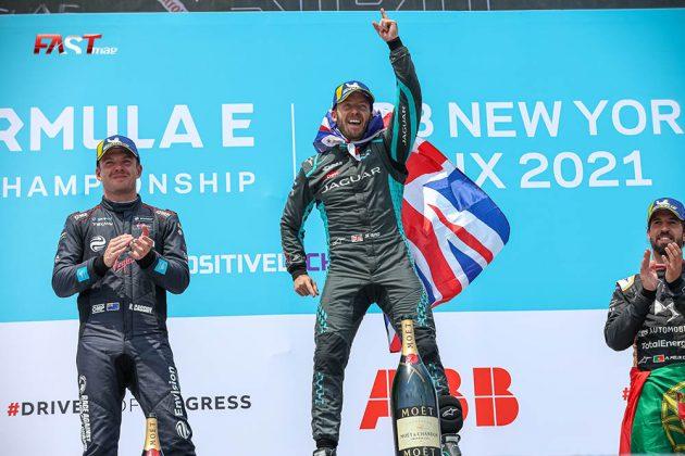 Sam Bird (Jaguar), Nick Cassidy (Virgin) y Antonio Félix da Costa (DS TECHEETAH), integrantes del podio de la Carrera 2 del ePrix de Nueva York (FOTO: Arturo Vega para FASTMag)