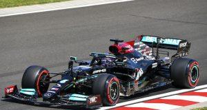 Hamilton con la PP de GP de Hungría en 1-2 de Mercedes (FOTO: Mercedes AMG F1 Team)