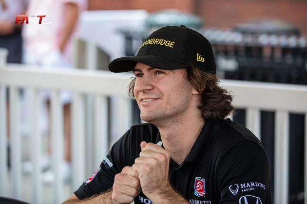 Colton Herta, piloto del No. 26 de Andretti Autosport, durante la firma de autógrafos de la IndyCar en Nashville (FOTO: Arturo Vega para FASTMag)