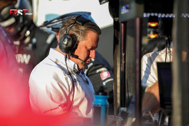 Zak Brown, socio de ARROW McLaren SP, durante el Music City Grand Prix de la IndyCar en las calles de Nashville (FOTO: Arturo Vega para FASTMag)
