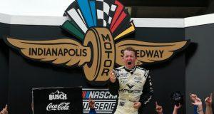 AJ Allmendinger, vencedor en indianápolis (FOTO: Sean Gardner/NASCAR)
