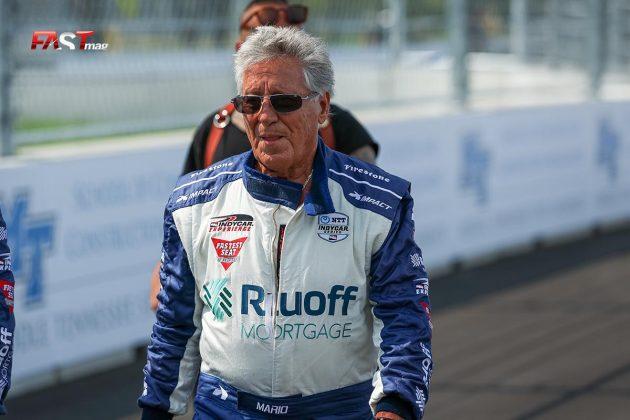 Mario Andretti, actual piloto del biplaza oficial de INDYCAR, durante la primera edición de la IndyCar en Nashville (FOTO: Arturo Vega para FASTMag)