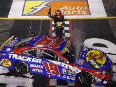 Truex II se queda con Richmond; califica con Larson a Ronda de 12 (FOTO: Jared C. Tilton/NASCAR)
