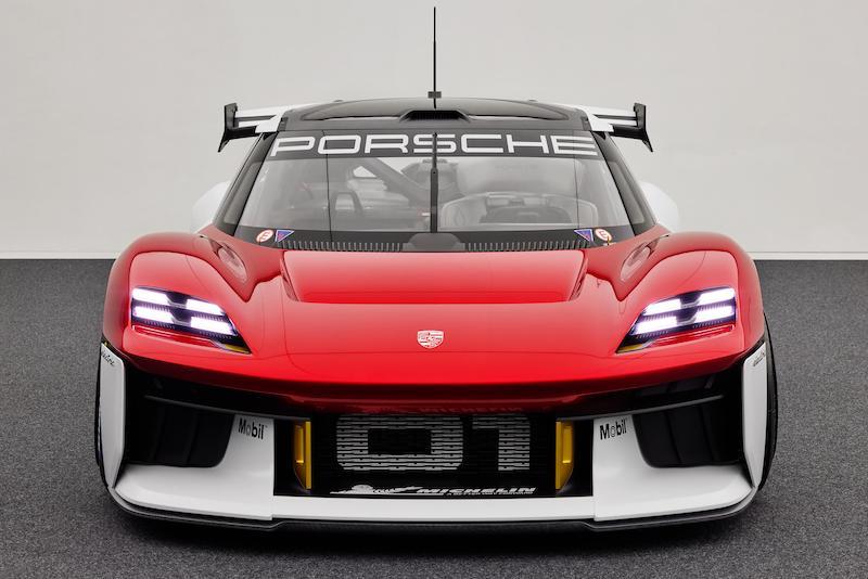 Porsche presenta su prototipo futurista Mission R (FOTO: Porsche)