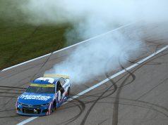 En Kansas, Larson llega a noveno triunfo de 2021 (FOTO: Meg Oliphant/NASCAR)